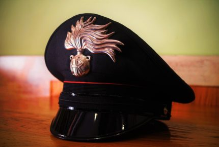 carabinieri aiutano tunisino matera